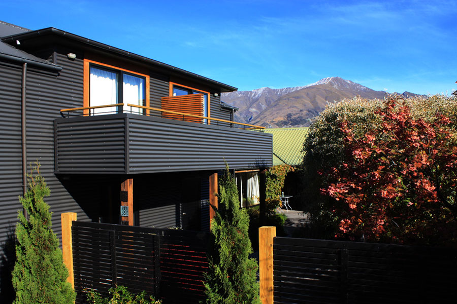 Architecturally designed studio apartments offering stylish Wanaka B&B accommodation