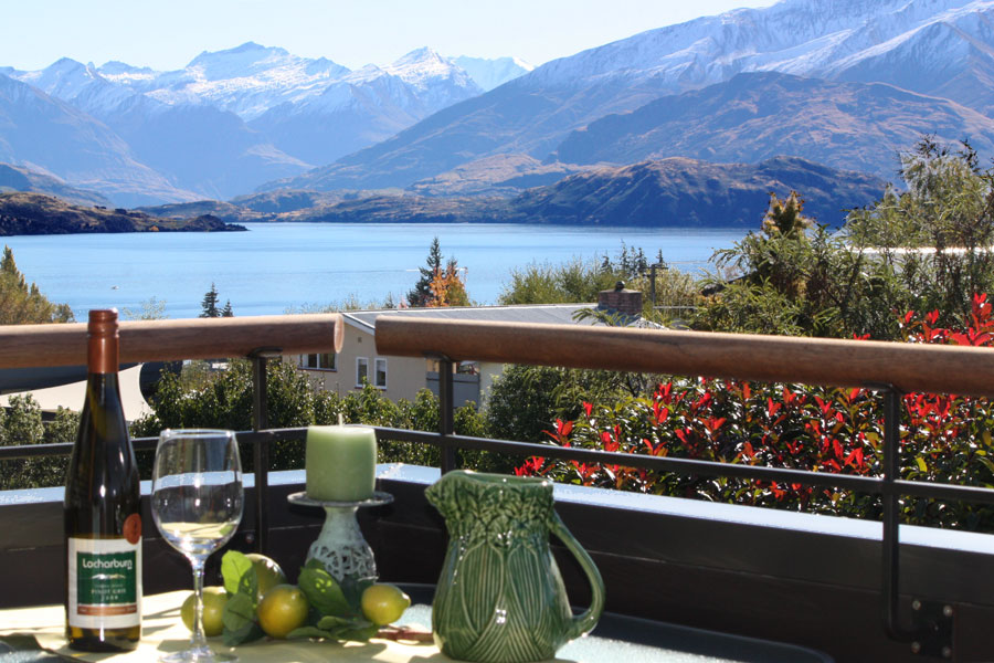 Enjoy wonderful views from your Lake Wanaka self contained accommodation